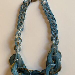 Collana giroollo con nodi in sfumature d'azzurro