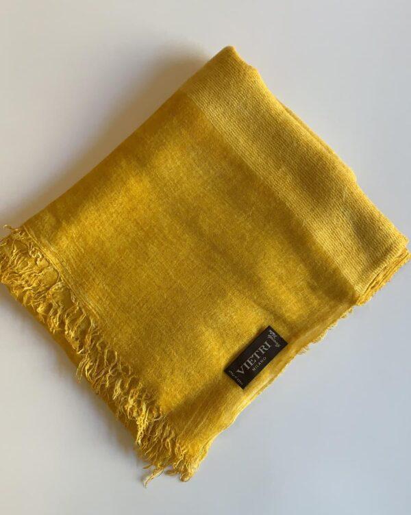 Stola gialla tinta a freddo